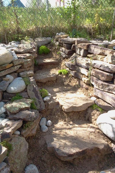 Rock stairs hardscaped yard